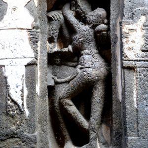stone carving erotico templi rupestri in india centrale