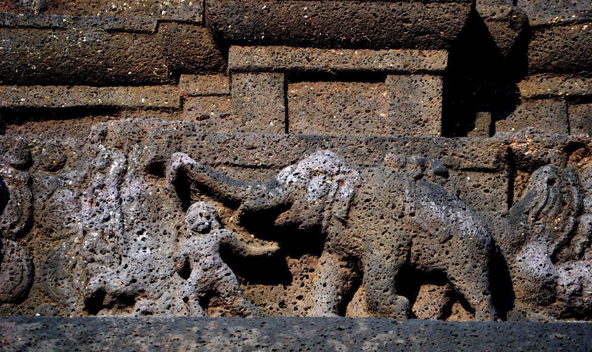 stone carving templi rupestri viaggio india centrale