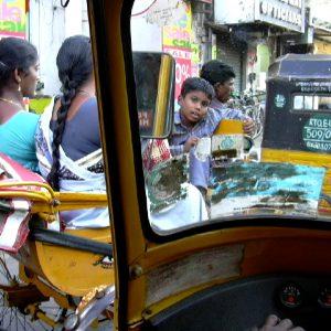 nel traffico a chennai in india del sud