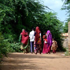 strada di villaggio a nirona nel kutch