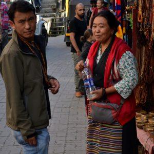 scene di vita quotidiana a dharamsala