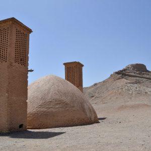 torri del silenzio a yadz relative al culto zoroastriano