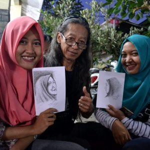 artista di strada a yogyakarta