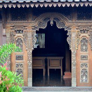 una casa tradizionale in legno a yogyakarta