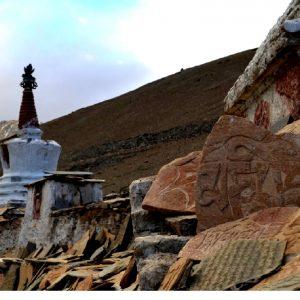 chorten al lago tso moriri in ladakh