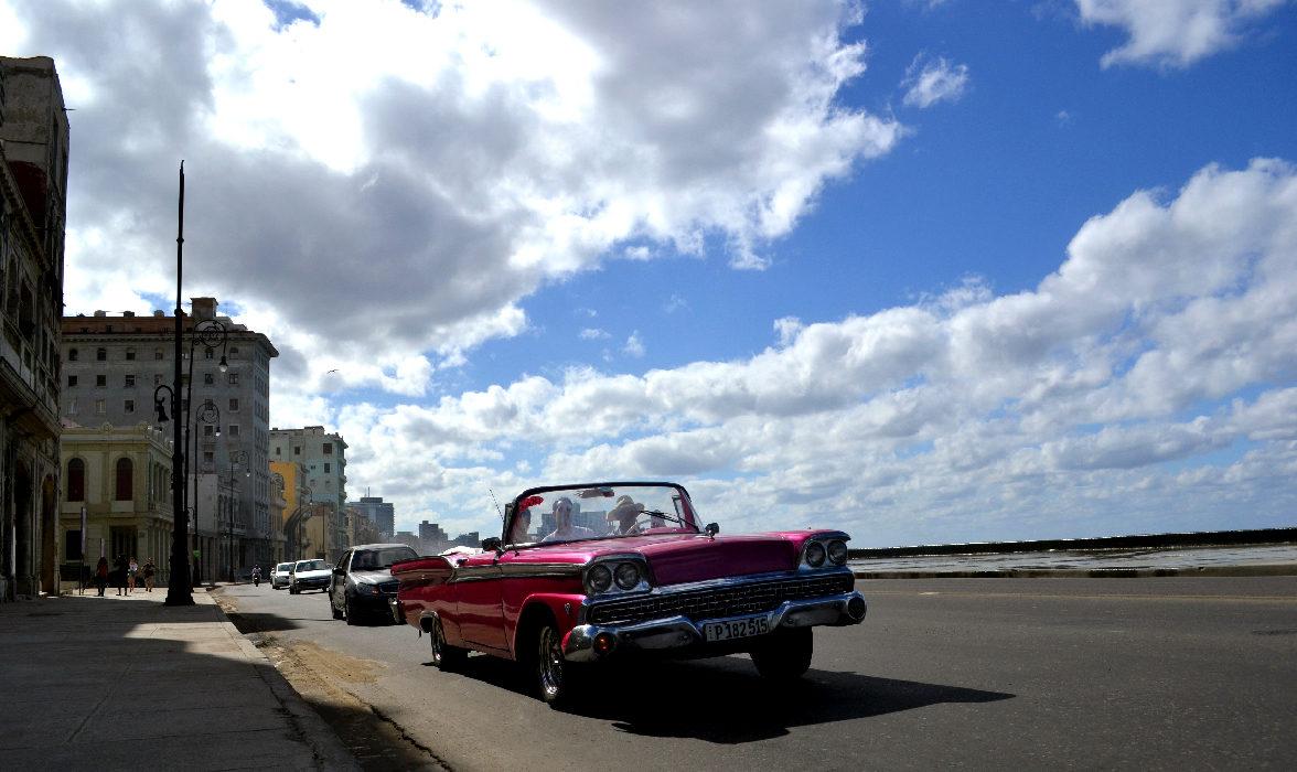l'affascinante malecon, lungo mare all'Havana