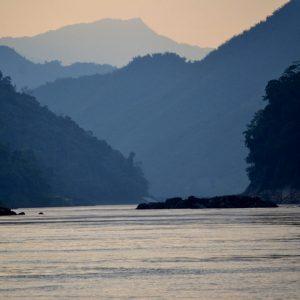 il fiume mekong che attraversa il Laos