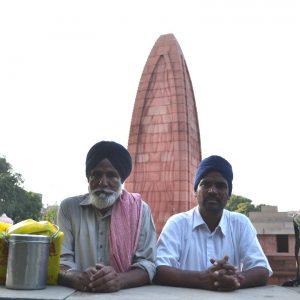 pellegrini sikh al golden temple