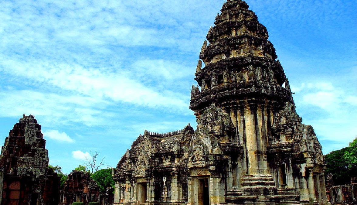 il tempio khmer di phimai in thailandia