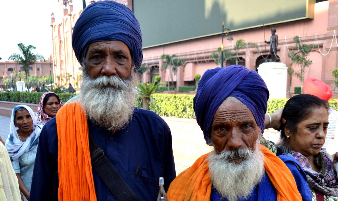 sikh al golden temple ad amritsar
