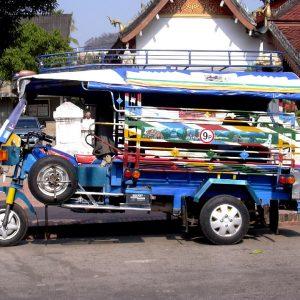 classico mezzo di trasporto in laos
