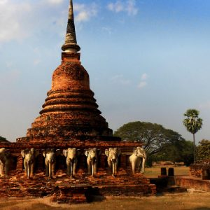 il wat chang lom a sukhothai in thailandia