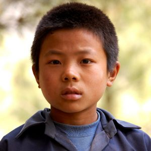 bambino a khumjung in khumbu nepal