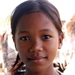 bimba cambogiana a kampot nel sud del paese