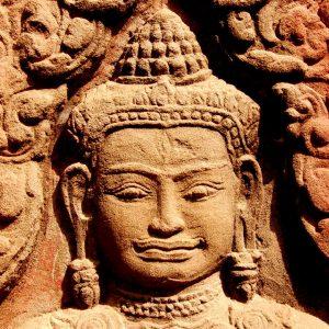 dettaglio di una statua del sito di angkor wat cambogia