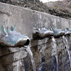 la fonte del tempio di muktinath in annapurna