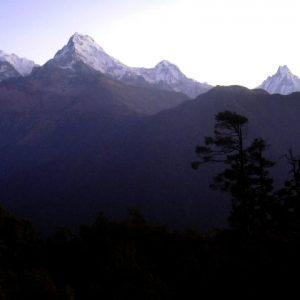 la fantastica vista delle montagne da poon hill