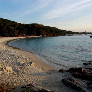 la spiaggia di koh samet in thailandia