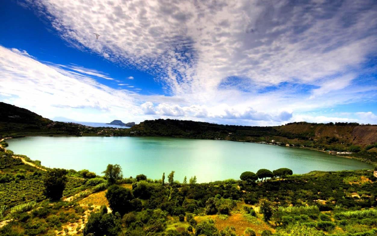 lago daverno vicino a pozzuoli